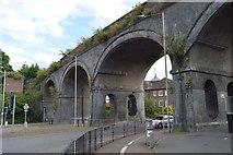 SU8693 : Railway Viaduct, A4128 by N Chadwick