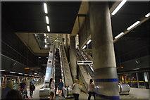TQ3780 : Escalators, Canary Wharf Underground Station by N Chadwick