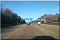 TQ0463 : M25 clockwise by Robin Webster