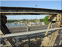 TQ0966 : The Thames from Walton Bridge by steve