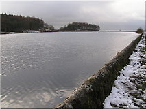 SJ9571 : Ridgegate Reservoir, Macclesfield Forest by Dave Dunford