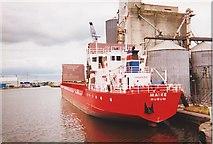 SE7422 : The port of Goole by Ron Strutt