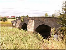 NO4419 : The old roadbridge between Guardbridge and Leuchars by Jim Bain