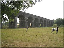 SP0533 : Stanway Viaduct by Dave Bushell