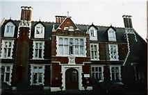 SU8368 : St Ann's Manor Hotel, Wokingham, Berkshire by mike