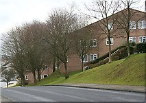 SX5056 : New Housing on a Northern Slope by Tony Atkin