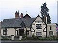 SP5798 : Glen Parva Manor House by Tammy Winand