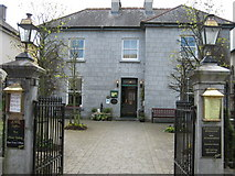 M8764 : Gleeson's Townhouse and Restaurant, Roscommon by Brian Shaw