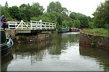 ST7863 : Kennet & Avon Canal, Milbrook Swing Bridge by Pierre Terre
