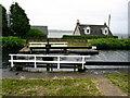 NR8586 : Crinan Canal lock gate  at Ardrishaig. by Johnny Durnan