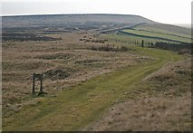 SE0021 : View southwest towards Great Manshead Hill from Slate Delfs Hill by Phil Champion