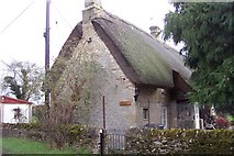 SP2403 : Thatched cottage by Broadwell Brook by Jonathan Billinger