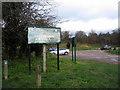 SP9821 : Totternhoe Knolls Car Park by Marc Cohen