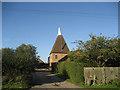 TQ8733 : Isemonger Oast, Rolvenden Road, Tenterden, Kent by Oast House Archive