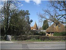 TQ8539 : Old Curteis Oast, Headcorn Road, Biddenden, Kent by Oast House Archive