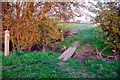 TL1390 : Footpath and bridleway junction, Folksworth by Julian Dowse