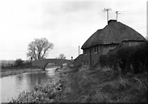 SU2966 : Fore Bridge and cottages, Kennet and Avon Canal by Dr Neil Clifton