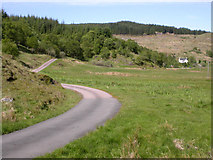 NM8617 : Single-track road to Loch Tralaig by Colin Chambers