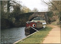 SU3867 : Vicarage Bridge - No.42 - K&A Canal, Kintbury - 2002 by Maurice Pullin