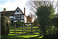 TQ8447 : Kingsnorth Manor Farmhouse & Oast House, Crumps Lane, Ulcombe, Kent by Oast House Archive