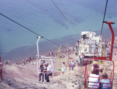 SZ3085 : Alum Bay Chair Lift (1) by Barry Shimmon