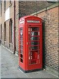 SE3220 : K6 telephone kiosk by Mike Kirby