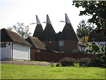 TQ7444 : Church Farm Oast, Maidstone Road, Marden, Kent by Oast House Archive