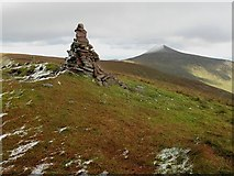 R8423 : Summit Cairn by kevin higgins