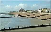 SZ9398 : Bognor Regis beach west of pier by P L Chadwick