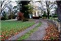 SE9955 : A driveway to Eastburn Farm by Peter Church