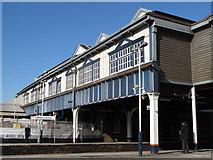 TQ2775 : High level platform interchange, Clapham Junction station by Mike Quinn