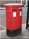 TQ3282 : Edward VII postbox, Goswell Road / Old Street, EC1 by Mike Quinn