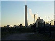 TQ8172 : Chimney of Kingsnorth Power Station by David Anstiss