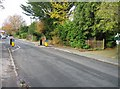 SU5468 : Broad Lane gets narrower by Given Up
