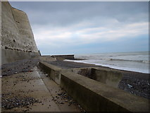TQ4000 : Undercliff  walk crosses the prime meridian by Shazz