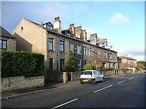 SE1421 : Terrace houses, Rastrick Common, Rastrick by Humphrey Bolton