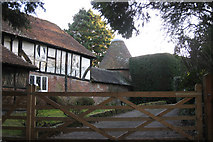 TQ5927 : Oast House at Bassetts, Coggins Mill, Mayfield by Oast House Archive