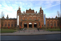 NS5666 : Kelvingrove Art Gallery and Museum by Mike Pennington
