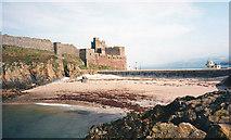 SC2484 : Fenella Beach by Trevor Rickard