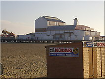 TG5307 : Great Yarmouth Pier by Mark Hirst