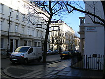 TQ2978 : Junction Cumberland Street / Gloucester Street Pimlico by PAUL FARMER