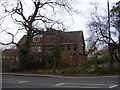 SU4320 : Abandoned building on Winchester Road by peter clayton