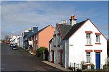 NM5055 : Street scene, Tobermory by Leslie Barrie