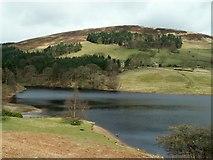 SK1789 : Ladybower Reservoir looking to Pike Low by John Fielding