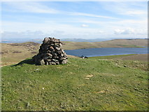 NS2472 : Cairn on Hillside Hill by G Laird