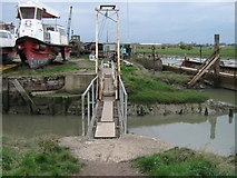 TR0262 : Metal footbridge into Iron Wharf Boatyard by David Anstiss