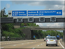 TQ0464 : M25 Motorway Clockwise. Approaching Junction 11 by Roy Hughes