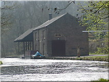 SK3155 : Warehouse Beside the Cromford Canal by JThomas