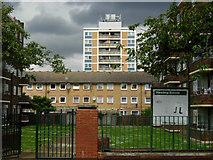TQ3385 : Hewling Estate, Stoke Newington by Stephen McKay