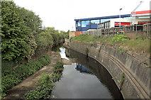 TQ1883 : The River Brent at Vicar's Bridge, Alperton by Andrew Hackney